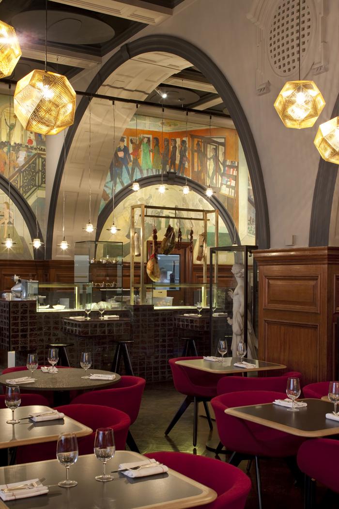 q2xro-interior-design-tom-dixon-restaurant-at-the-royal-academy-london (4) low