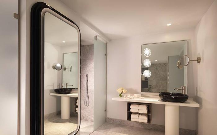 Mondrian London Room Bath